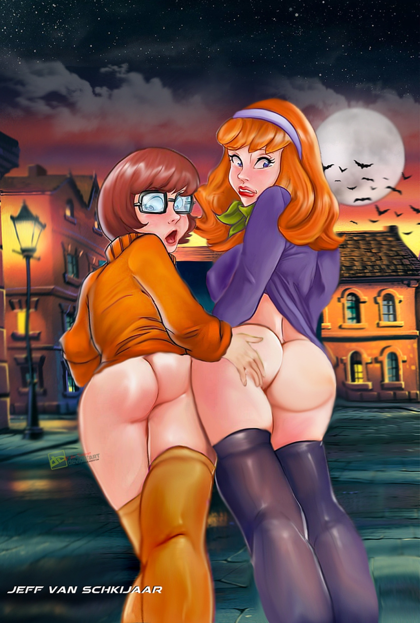 lesbian daphne velma and porn Anime breast and butt expansion gif