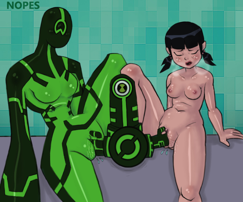 day gwen ben 10 a with Mary jane watson